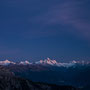 Die hohen Berge erleuchten im letzten Licht...
