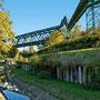 Brückenzug Hansa mit Ringgasleitung und (noch) nicht renaturierter Emscher, Dortmund - Huckarde
