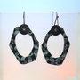21171336     Ohrhängerpaar   Silber geschwärzt   Laminat  und  Bakelit    160 €