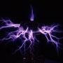 Blitz-Erzeugung durch eine Tesla-Spule (Erfinder: Nikola Tesla)