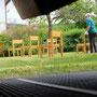 Desinfizieren der Stühle ...