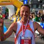 glückliches Gesicht nach erfolgreichem 100km Lauf - Lauftraining in Freiburg
