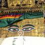 Swayambhunath - Affentempel: Steinwürfel mit Buddhas Augen