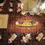 """Das Buffet im 5-Sterne-Palast """"Empire Hotel"""". Ein Sushi-Röllchen haben wir gerne gratis zum Probieren genommen."""