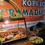 Street-Snacks in der bei Studenten beliebten Kopi-Joss-Straße.