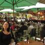 In vielen Restaurants werden brasilianische und internationale Köstlichkeiten angeboten. Die vielen Gäste zeugen von der Qualität des Essens hier.
