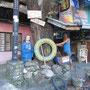 Werkstatt, Gotteshaus, Müllhalde? Manila.