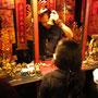 Ein chinesischer Wahrsager in Aktion.