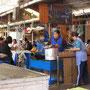 Fischrestaurant auf dem Markt La Cancha.