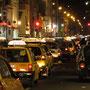 Trujillo am Abend heißt definitiv zu viele Taxis. Die Luft stinkt bestialisch.