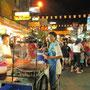 Fleischspießgriller in der Khaosan Road.