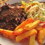 Beefsteak mit Pommes und Salat. Wie geil in Indien Rindfleisch zu essen. Aber Goa ist halt ein etwas anderes Indien.