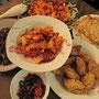 Gastmutters indonesisches Frühstück mit allem was dazu gehört.