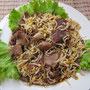 Rindfleisch mit Sojabohnensprossen.