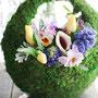 庭に咲く花を摘んで・・・モスバスケットアレンジ