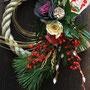 生花で作るしめ縄飾り