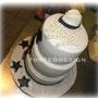 Michael Jackson Cake: Pandispagna con crema chantilly e ananas, copertura pasta di zucchero