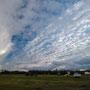 bedeckt - blau - Cirruswolken - Regen: Islands Wetter auf einem Bild