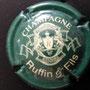 Marque : RUFFIN Yves N° Lambert : 18 Couleur :  Vert et Crème,   écriture blanche Description :  lettre R dans blason   champagne   Emplacement : 096-08-02