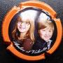 Marque : RIGOT - Caillez N° Lambert : 19 Couleur : Polychrome, contour orange Description : Portrait de deux enfants  Emplacement :