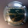 Marque :  FUMEY - TASSIN N° Lambert : 5 Couleur :  vert foncé Description : Signature Fumey - Tassin  Emplacement : 050-08-01