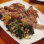 Sich kulinarisch von der einheimischen Küche an besonderen Orten verwöhnen zu lassen - auch das ist Segeln...