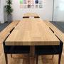 作品サイズ 300×300mm(18点組)  設置場所 アイウエアブランド「JINS」の新オフィスのミーティングスペース。(飯田橋グラン・ブルーム 30F)