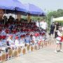 子どもの日の行事で歌う子どもたち=平壌市内、2018年6月1日