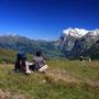 いくら景色が良くても、ざわざわと大勢の人が歩いていては台無しだ。自然の息吹が、人の吐息にかき消されてしまう。自然とは一対一の関係性でいたい。それは旅人が持つ普通の感覚だ。<Berner-Oberland-SCHWEIZ>