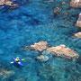 日本一美しい海と言ってもいいこの色。自分の住む日本が「美しい国」であることを旅は教えてくれる。この自然豊かな国土と海があってこそ、我々は豊かに生きていけるのだと、しっかり認識してほしい。<奥尻島>