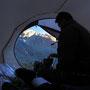 夜と早朝はかなり冷える。こんなに山ばかり登っている旅になるとは思っていなかった。北海道の夏装備くらいでは、ヨーロッパの山岳地帯は寒すぎる。かじかむ手で、朝食を作る。<モント・エミリウス周辺/アオスタ――イタリア>