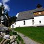 時間の流れがずっと止まっているような、山上の集落にある教会。<ブルデンツ郊外――オーストリア>