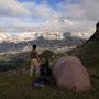 アイガー北壁にたなびく雲。この時間帯からはもう、自分一人だけの世界。人生には一人で静かに考えたり、感じたりする時間が必要である。旅の幸福は、その時間が充分にあることだ。<Berner-Oberland-SCHWEIZ>