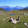 その名もカエル湖という山上の湖。だがこのときはほとんど干上がっていて、水溜り程度だった。一緒に行ったプペラさんは、ブログで知り合ったイタリア在住日本人女性。犬の名前もPupella。<Aosta-ITALIA>
