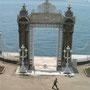 ドルマバフチェ宮殿ボスポラス海峡のゲート