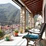 ausgedehnte Terrasse mit atemberaubenden Blicken
