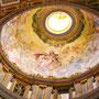 サン・ピエトロ大聖堂の天井の装飾