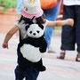パンダに大喜びの女の子