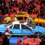Streifenwagen und NYC Taxi bei der Messe Frankfurt