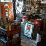 Divers outils et objets antiques