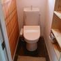 トイレをつけた模様。付けている模様はいつも見えませんね。この一年でいったい何個のトイレを付けたでしょう。トイレの神様ですな。以上子供部屋増築の一部始終でした。