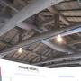 梁と梁の間にライティンググレールを取り付けました。まるでショップです。