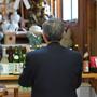 歳徳神社にて日本酒をご祈祷