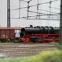 Durchfahrt des Güterzuges im Bahnhof Ingoldorf auf der Anlage des TT Club-Bayern
