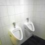 ...die Urinale.