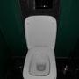 """...war ein Deckel der beiden Toiletten etwas lose """"unterwegs""""."""