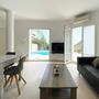 Direkter Zugang zur Poolterrasse, Meerblick und Satelliten-TV - unteres Apartment - ABAJO