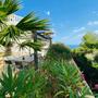Mediterraner Garten und Meerblick