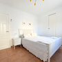Bedroom 1 - double bed and bathroom en Suite - lower apartment - ABAJO