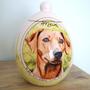 unieke-handbeschilderde-urnen-voor-dieren-maatwerk-urnen-bijzondere-urnen-gepersonaliseerde-urn-met-portret-handgeschilderde-dieren-urnen-urn-hond-laten-beschilderen-urn-laten-maken-customized-urns-for-animals-unique-dog-urns-entirely-hand-painted-urns